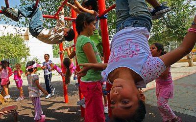 Spielplätze verändern die Herzen, nicht Grenzen!