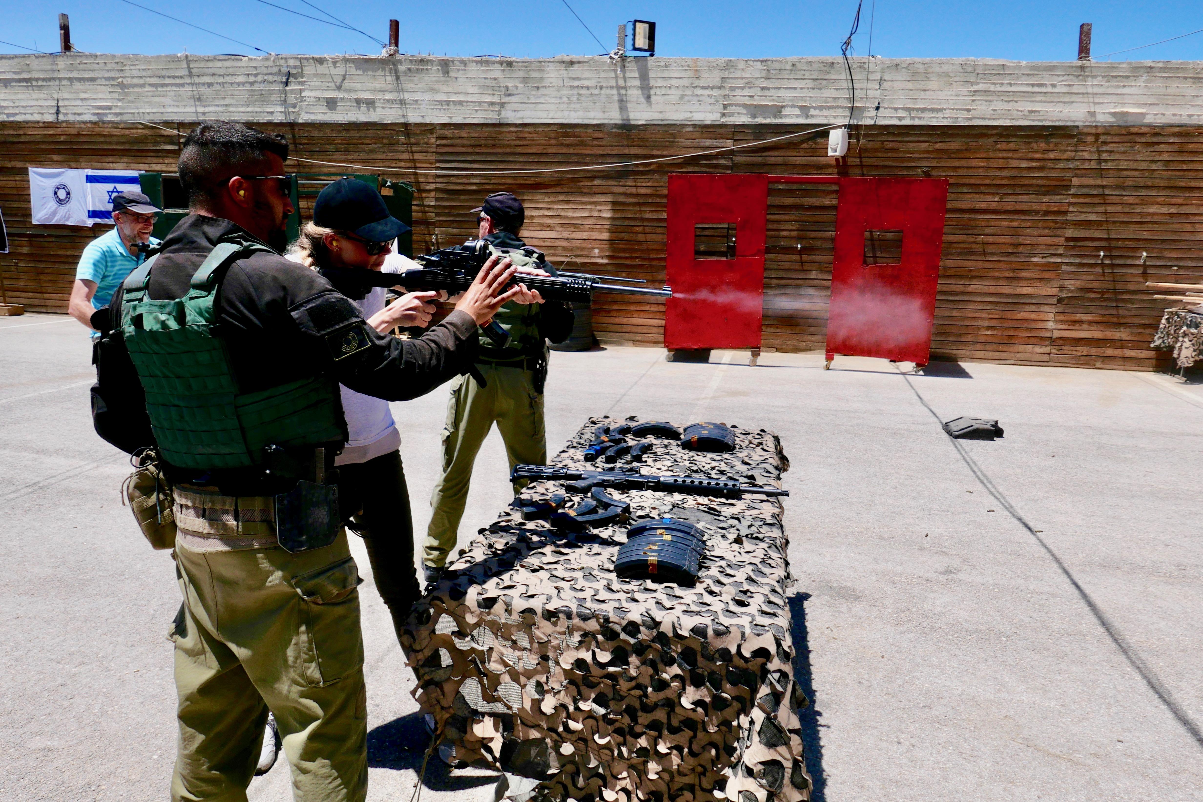 IDF-Erlebnistag, Schießübungen mit echten Gewehren