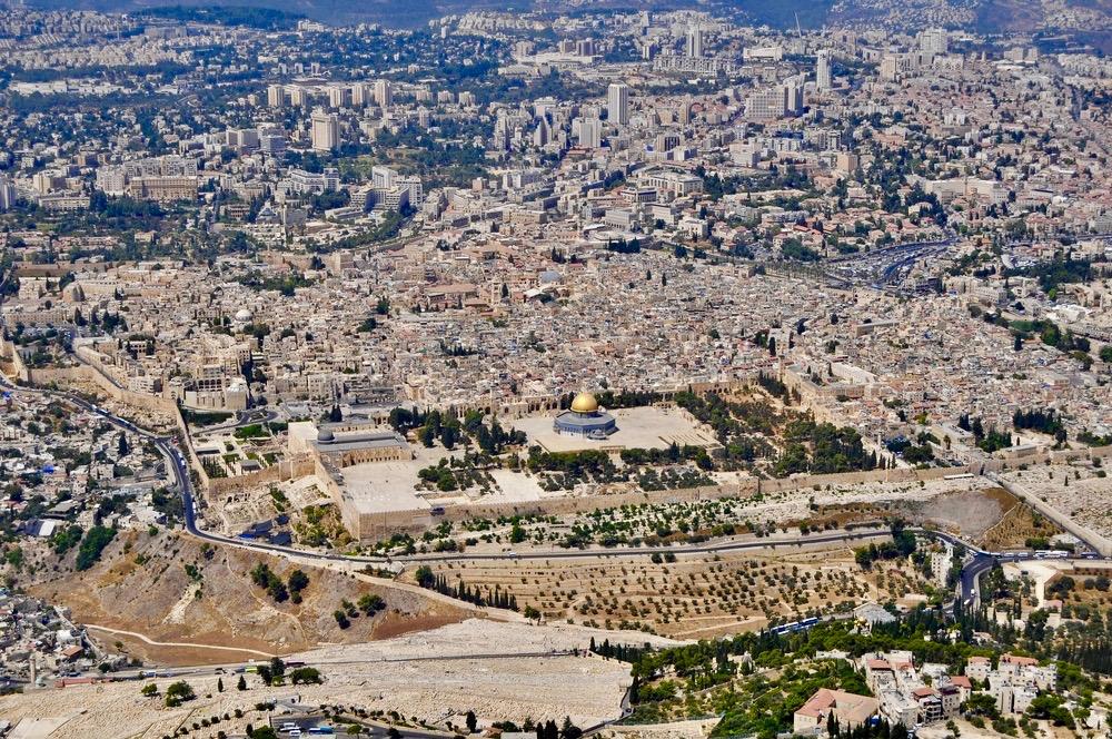 Vogelperspektive auf Jerusalem aus dem Hubschrauber